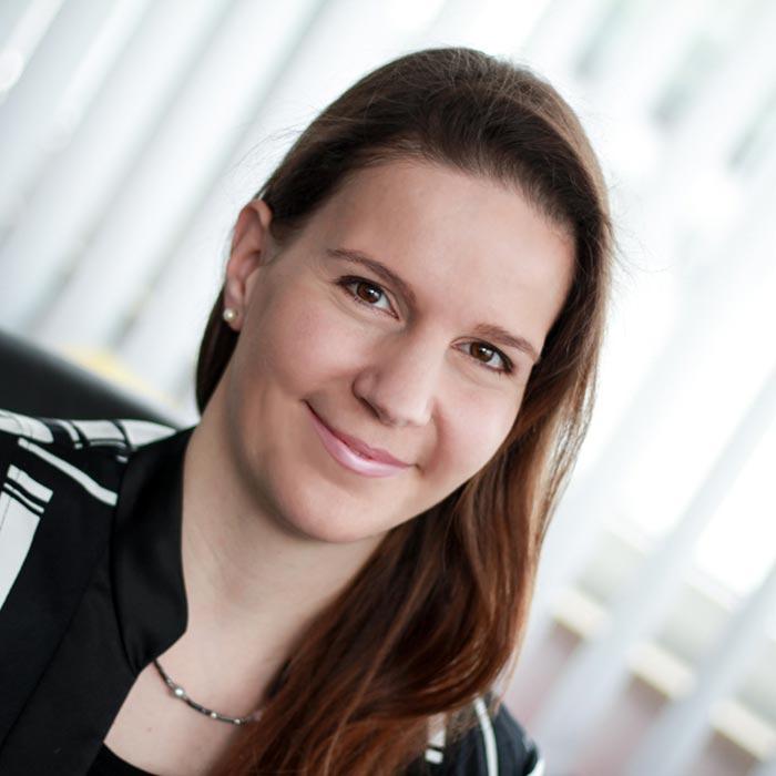 Susanne Zierer, Senior Manager